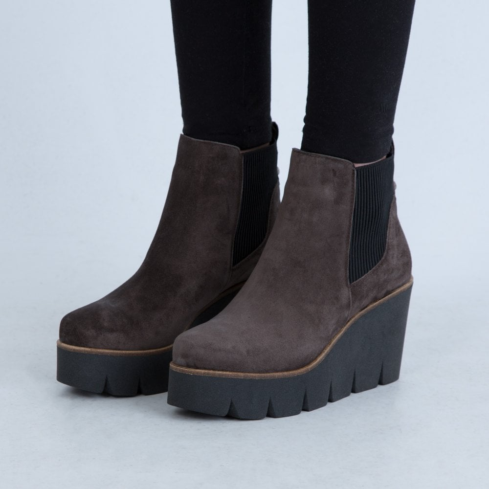 Alpe High Brown Wedge Suede Pull On