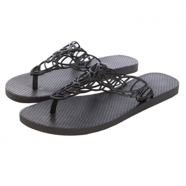 e4b78fe71d82 Flat Flip flop with Open Leaf Weave Design in Black