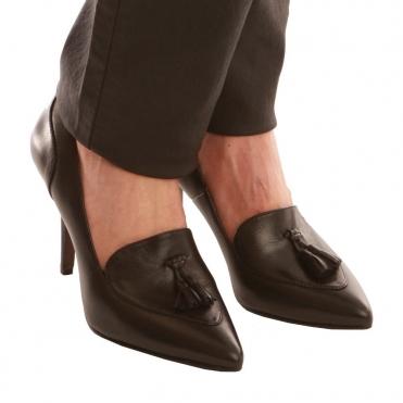 da7240f7c07c Point Toe Court Shoe in Black