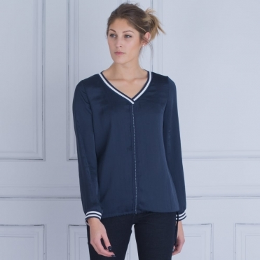 V Neck Centre Stripe Crushed Top With Stripe Cuff In Navy
