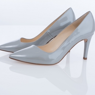 Lisa Kay Pointed Court In Silver