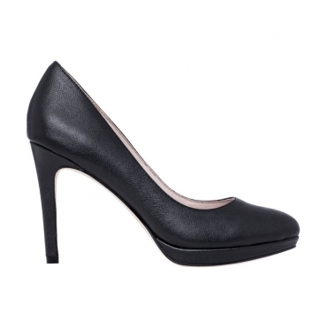 Balance Court Shoe with Cushioned Sole in Black
